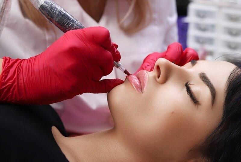 Makijaż permanentny usta kędzierzyn-koźle